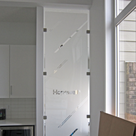 Glass or Acrylic Divider Walls